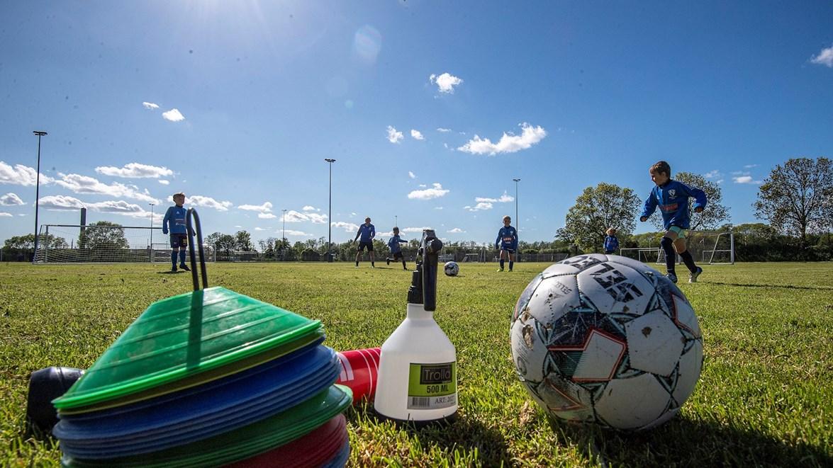 Nye nationale restriktioner betyder revideret corona-protokol for fodbolden